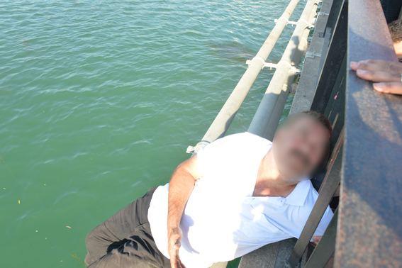 'Evdekiler hep CHP'li' diyerek intihar etmeye çalıştı!