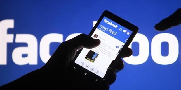 Facebook videoları otomatik olarak sesli oynatacak