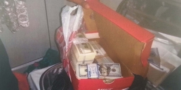 FETÖ operasyonunda ayakkabı kutusunun içinden bir milyon dolar çıktı!
