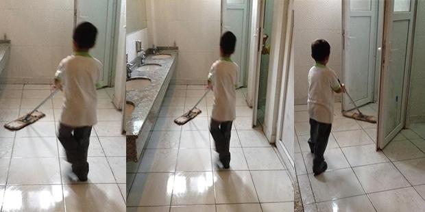 Gaziantep'te okul tuvaleti öğrencilere temizletiliyor!