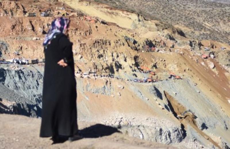 Göçük altındaki 12. madenciye ulaşıldı