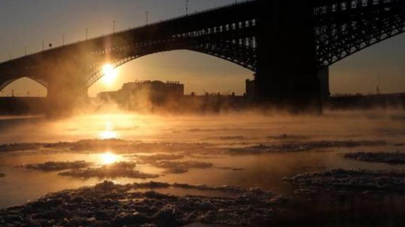 Google Haritalar'ın talimatlarına uyan bir kişi donmuş nehre düştü