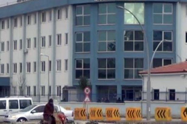 Gözaltındaki 2 kişi emniyetten kaçtı