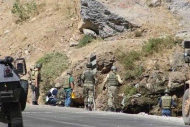 Hakkari'de patlama! 1 asker hayatını kaybetti..
