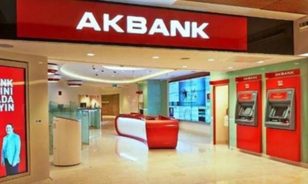 Halkbank'ın ardından Akbank skandalı: müşterilerin paraları çekildi!