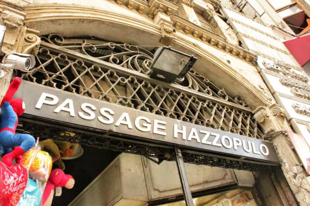 Hazzopulo Pasajı'ndaki dükkânlara mühürleme kararı!