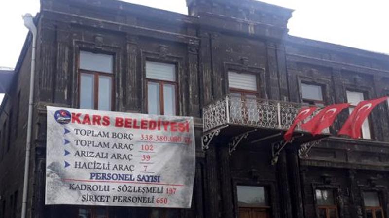 HDP'li Kars Belediyesi'nde işçilerin maaşlarına haciz kondu