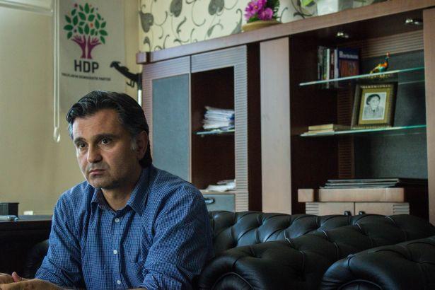 HDP'li vekil: Seçmenimizi Abdullah Gül'e oy vermesi için ikna etmeye çalışacağız