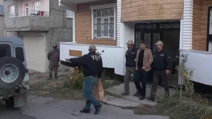 İpekyolu Belediyesi eş başkanları gözaltına alındı