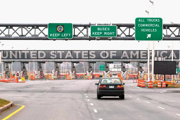 İranlılar ve İran kökenli ABD'liler sınırda bekletildi