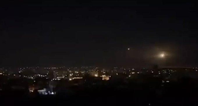 İsrail Deyr ez Zor'a hava saldırısı düzenledi