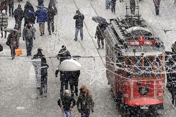 İstanbul için kar uyarısı: Hava sıcaklığı 7 derece birden düşecek