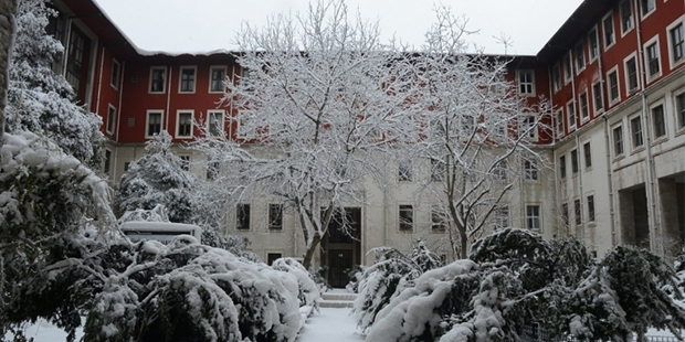 İstanbul Üniversitesi  sınava giremeyen öğrencilerle ilgili açıklama yaptı