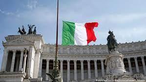 İtalya'da 15 yıldır işe gitmeyip 538 bin euro maaş alan devlet memuru yakalandı