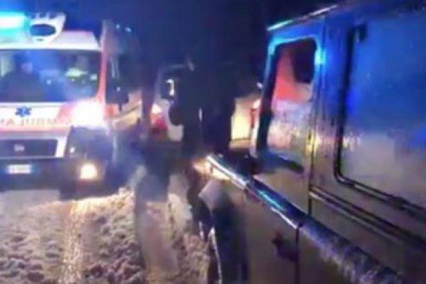 İtalya'da bir otel çığ altında kaldı: 27 kişiye ulaşılamıyor