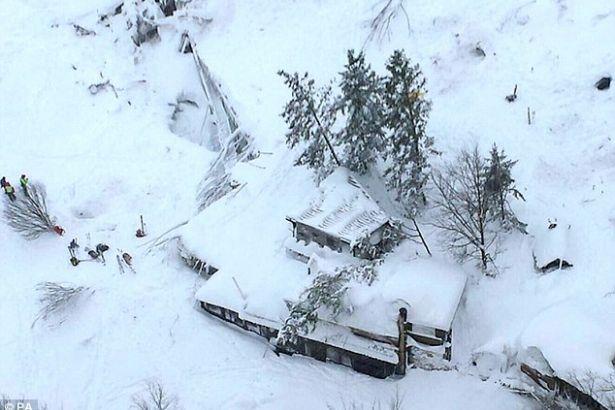 İtalya'da çığ altında kalan otel yöneticileri: Yardım edin