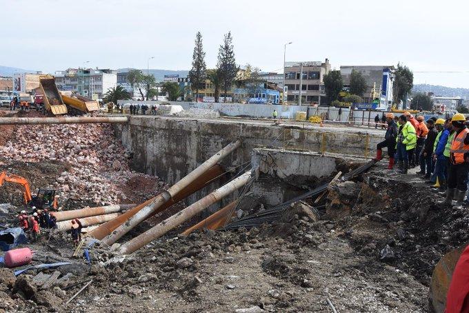 İzmir'de metro otopark inşaatındaki göçükte bir kişinin cansız bedenine ulaşıldı