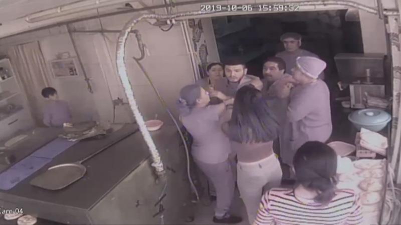 Kafede bir kadına bıçaklı saldırı: