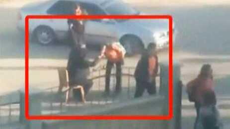 Kahramanmaraş'ta lise müdürü öğrencilere elini öptürdü