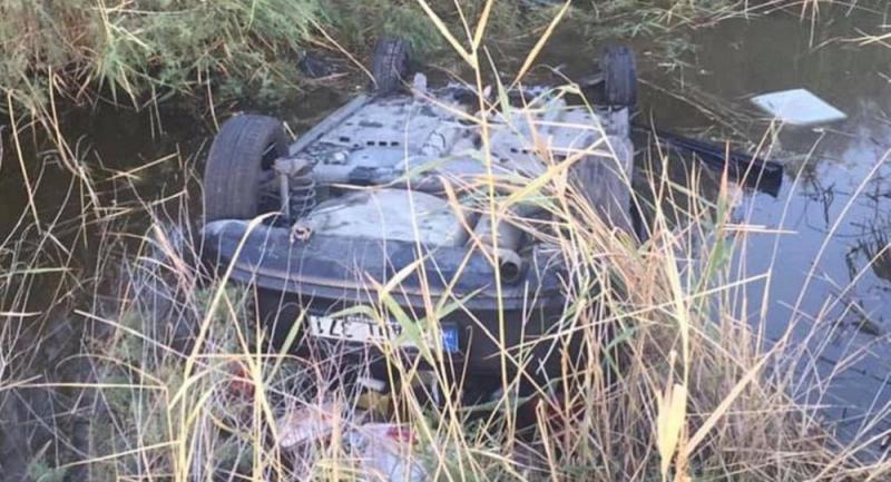 Kanala düşen araçta, eşinin ölüsüyle 25 saat kurtarılmayı bekledi
