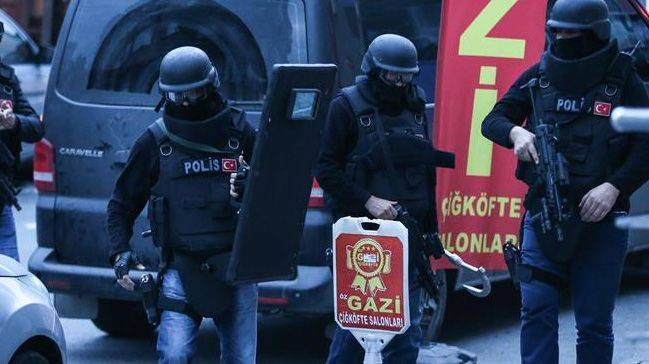 Kayseri'de cemaat operasyonu! 10 gözaltı...