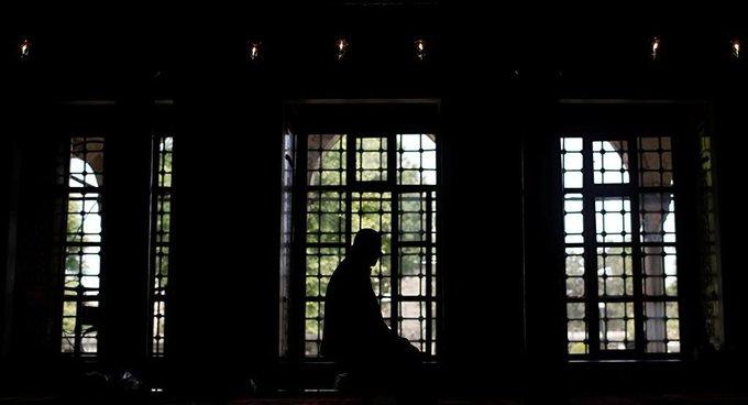 KONDA raporu: Son 10 yılda kendini 'dindar muhafazakar' olarak nitelendiren gençlerin oranı yarıya düştü