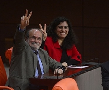 Kürkçü: Her gün anayasal suç işleyen Erdoğan'ın kendisi!