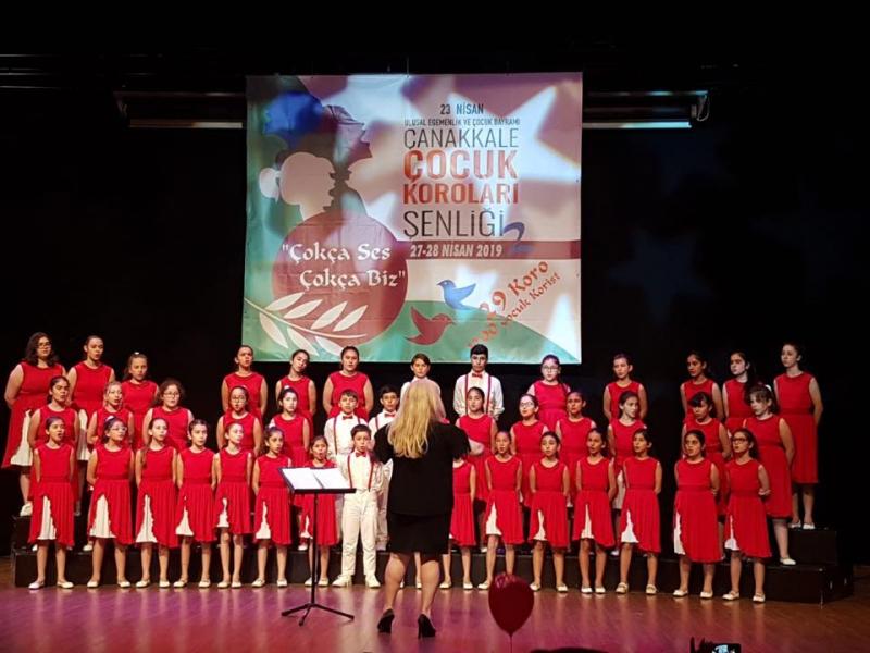 Maltepe Belediyesi çoksesli çocuk korosuna 3 ödül birden