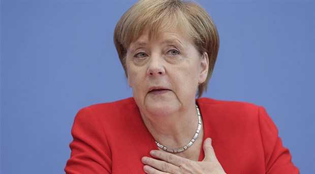 Merkel: Türkiye'ye silah ihracatını durduruyoruz