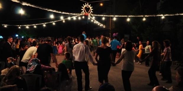 Mersin'de de sokak düğünleri yasaklandı!