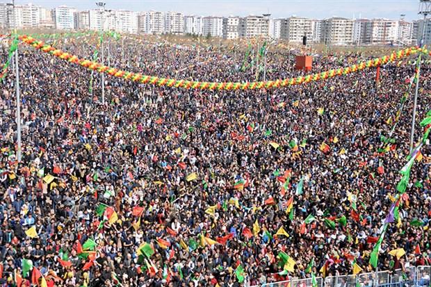 Newroz'da 'Kürdistan' kelimesi geçen müziklerin çalınmasına izin verilmedi