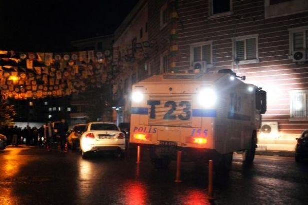 Öcalan için açlık grevi yapılan HDP binasına baskın: 49 gözaltı