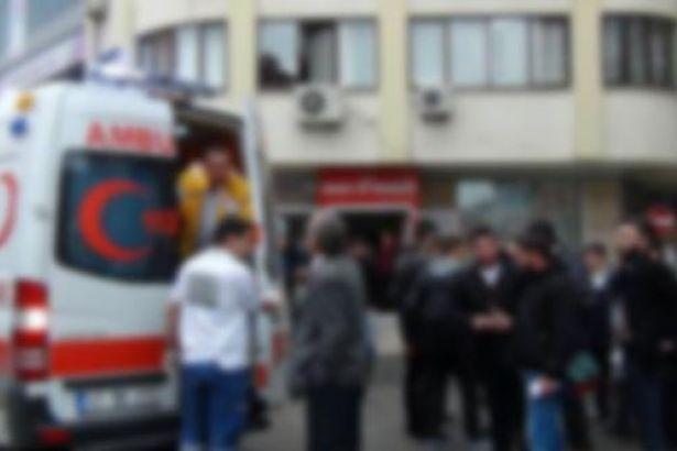 Okul kantincisi dışarıdan yemek sipariş eden 4 öğrenciyi bıçakladı