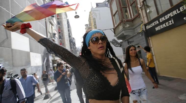 Onur Yürüyüşü yasağı: Yarın Taksim'e çıkan yollar kapalı