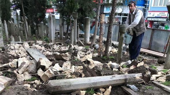 Osmanlı Dönemine Ait Mezar Taşlarını Restorasyon İçin Kırdılar