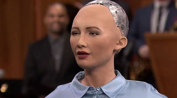 Robota Suudi Arabistan vatandaşlığı verildi