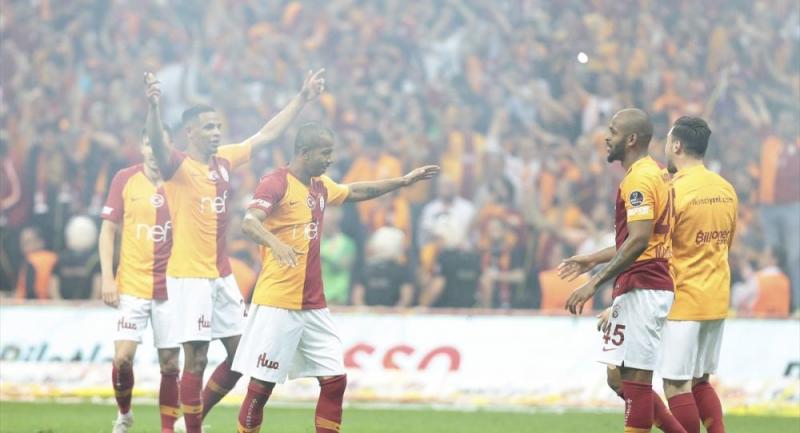 Rus basını Galatasaray'ın şampiyonluğuna geniş yer ayırdı: 'Çift kupalı Aslanlar'