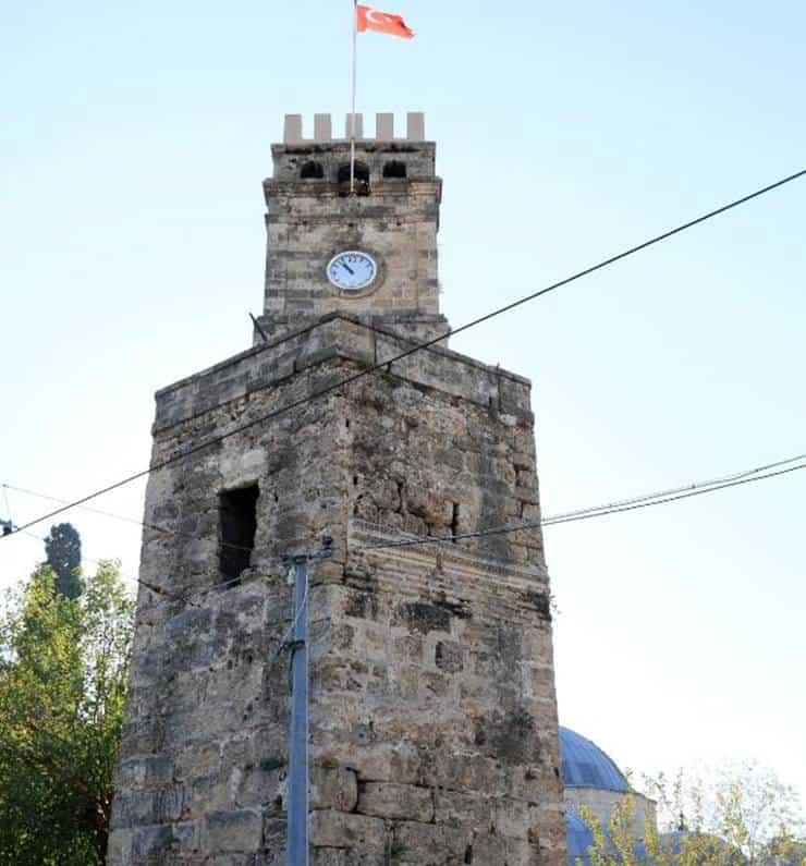 Saat kulesine 'Ramocan' yazan kişiye bir yıl hapis cezası