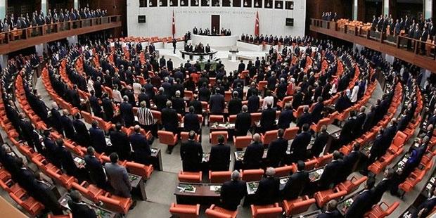 Sabah yazarı: FETÖ Meclis'e silah sokup cinayet işleyebilir