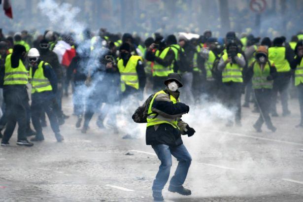 Sarı Yelekli bir eylemci hayatını kaybetti
