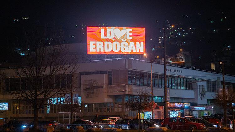 'Stop Erdoğan'a cevaben 'Love Erdoğan' mesajı