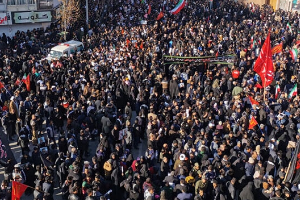 Süleymani'nin cenaze töreninde izdiham: Ölüler var, defin ertelendi