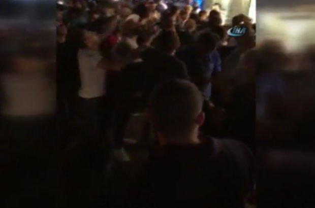 Taksim'de otelden atılan paralar izdihama neden oldu