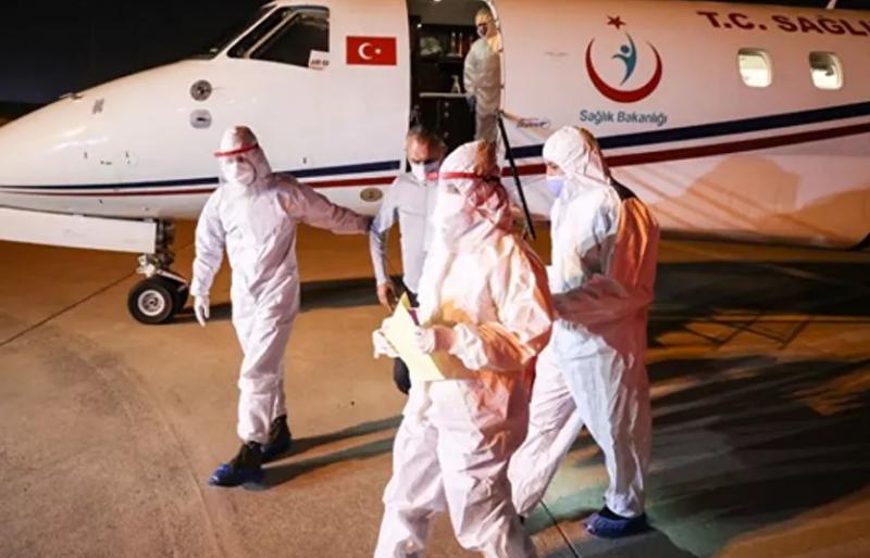 Tanzanya'daki Kovid-19 hastası 3 Türk vatandaşı Türkiye'ye getirildi