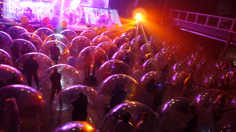 The Flaming Lips, sosyal mesafeli konser gerçekleştirdi