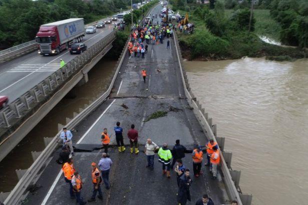 TMMOB: Karadeniz'deki felaketin nedeni yağış değil yanlış yapılaşma ve ulaşım