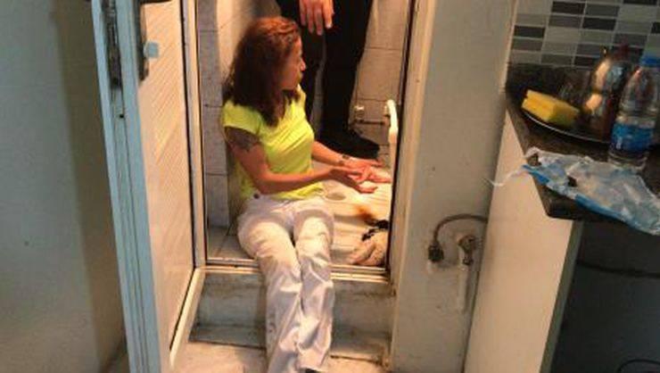 'Topal Demet' uyuşturucuyu tuvalet deliğine atarken yakalandı