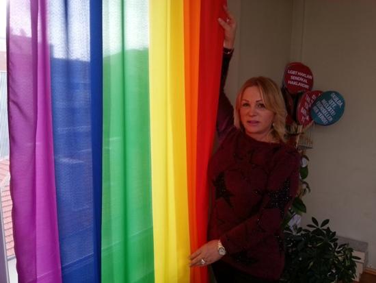 Trans kadın Niler Albayrak, CHP yönetimine girdi