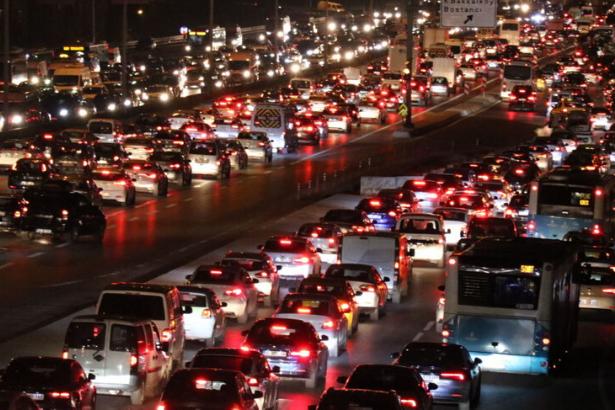 TÜİK: İstanbul'un araç sayısı 21 ilin nüfusu kadar
