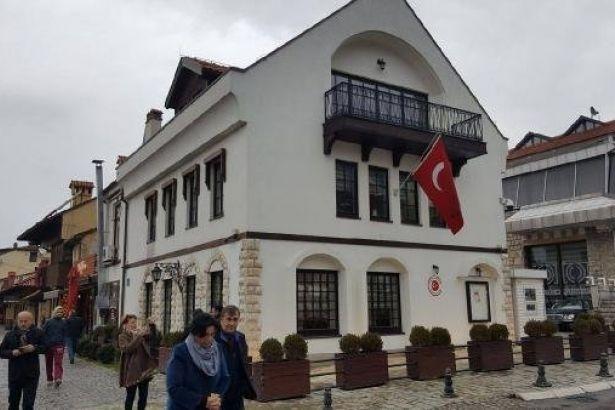 Türkiye konsolosluğuna molotoflu saldırı